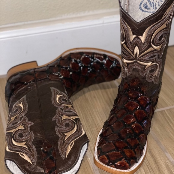 169fed9e066 Men's new Pirarucu exotic boots NWT